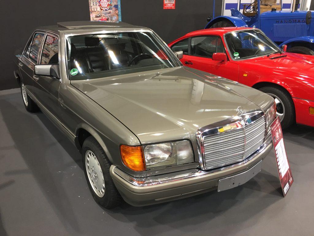 Optisch auch ein Genuss, aber auf den zweiten Blick nicht wirklich perfekt: Ein W126 420 SE für knapp unter 5.000 Euro.