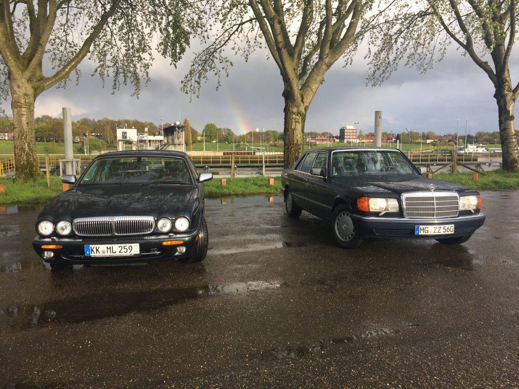 Länge läuft: 5,16m des 560 SEL vs. 5,15m des Daimler V8