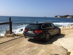 """Der """"Daily Rocker"""", der den X308 im Alltag und auf langen Urlaubsfahrten entlastet: Ein BMW 330d Touring"""